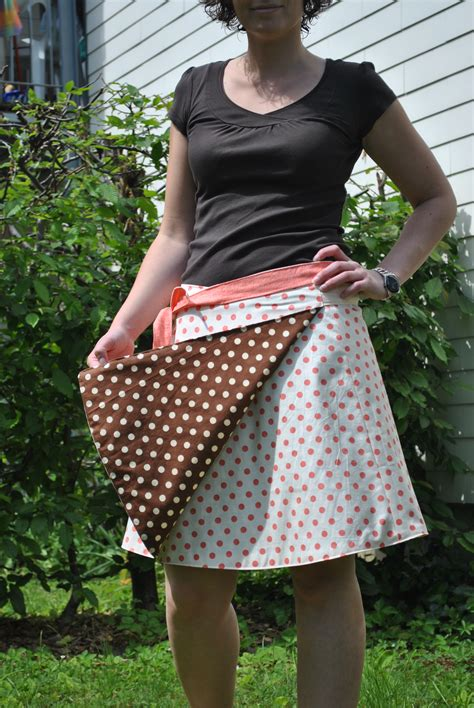 Reversible dotted skirt – Sewing Projects   BurdaStyle